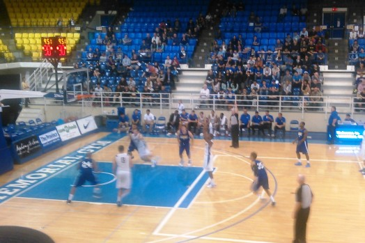Friends and I went to watch a basketball game: UBC .v. University of California (Riverside). Despite the fact we lost(!), it was really fun to experience a typical North American University event - cheerleaders and all!