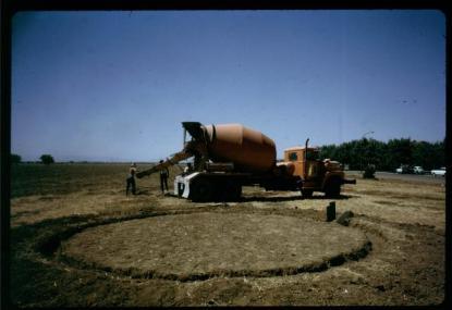 1972_0306_readypour