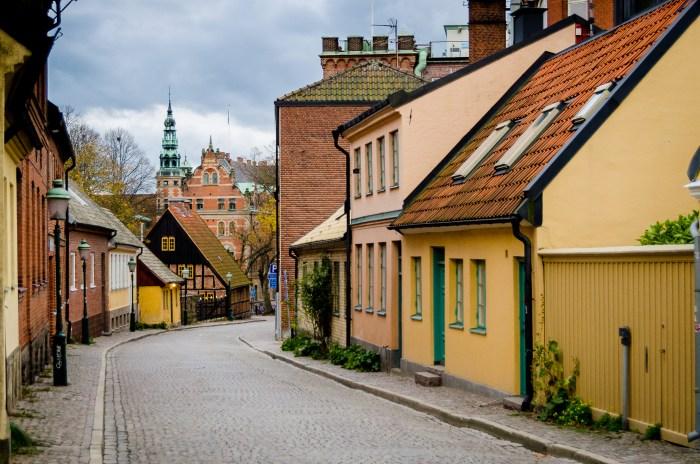 Lundcolouredhouses.jpg